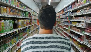 cadeirante-no-supermercado-locamed