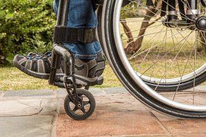 descer-subir-degraus-cadeira-de-rodas-locamed