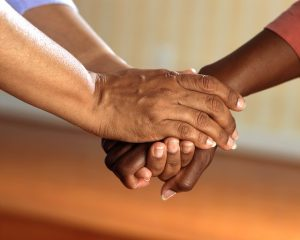 necessidade-cuidador-idosos-como-avaliar-locamed